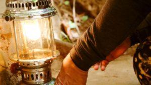 iStock-899623742-kerosene-lamp-300x169