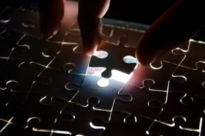 puzzle-crisis-cyber-300x199